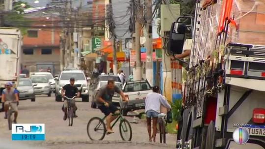 Após 3 dias, comércio reabre na comunidade Manoel Correa, em Cabo Frio
