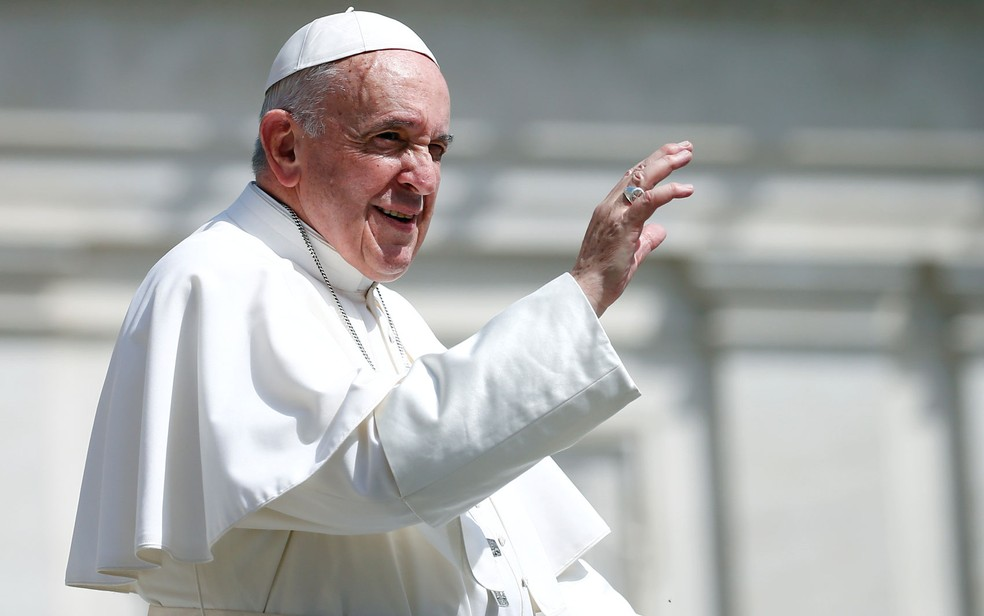 A eleição de Francisco, o primeiro papa latino-americano, pegou muitos de surpresa — Foto: Reuters/Yara Nardi