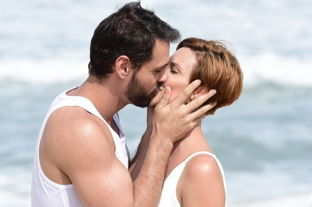 Antonio (Felipe Cunha) e Sophia (Camila Rodrigues) em 'Topíssima' (Foto: Blad Meneghel/ Record)