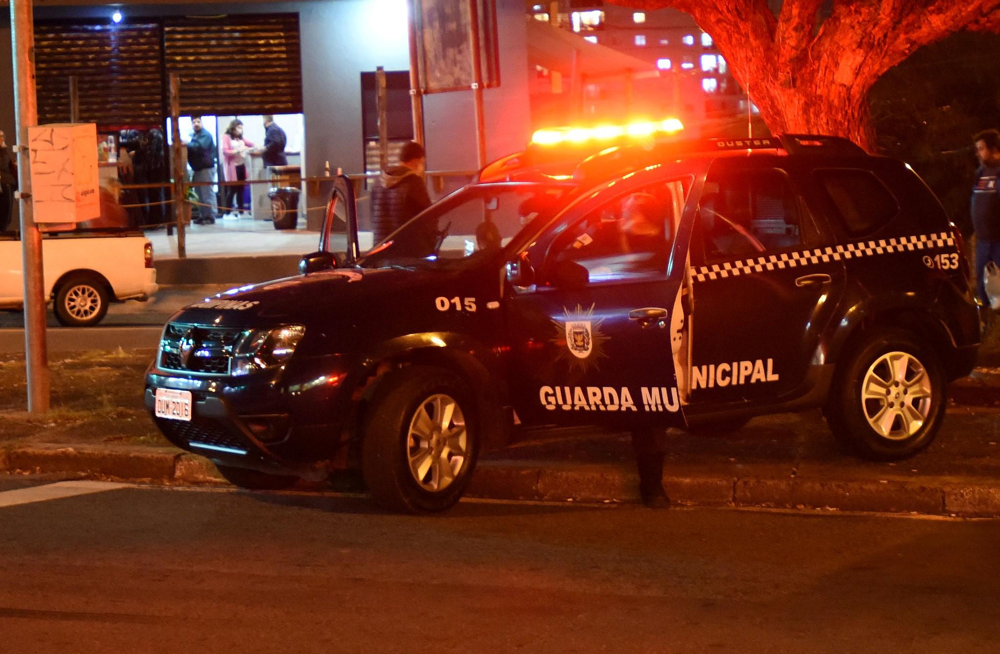 Guarda Municipal dispersa 2.238 pessoas aglomeradas e fecha 5 comércios em Campinas