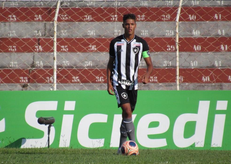 Zagueiro David Sousa é capitão do sub-20 do Botafogo  — Foto: Fabio de Paula/Botafogo