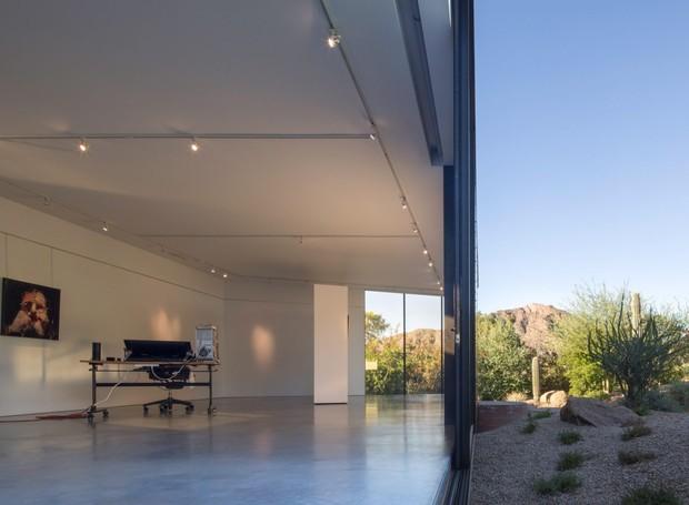O estúdio possui apenas um cômodo para a produção de arte (Foto: Winquist Photography)