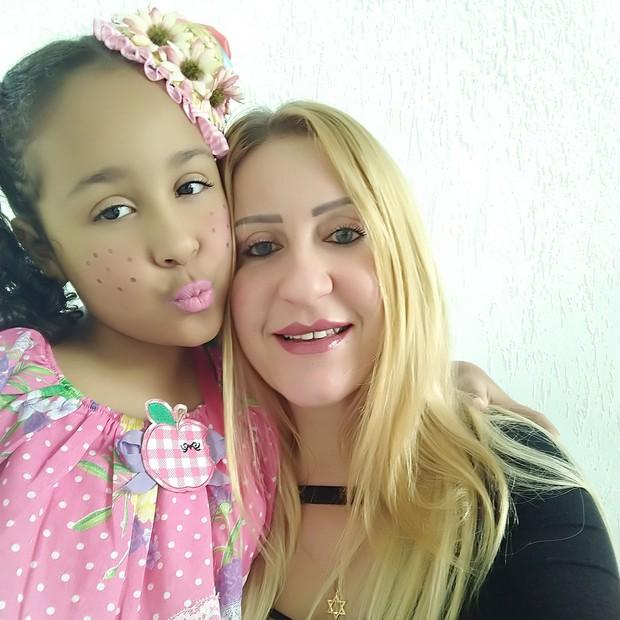 Resultado de imagem para Luiza Freitas e sua filha, Rihanna