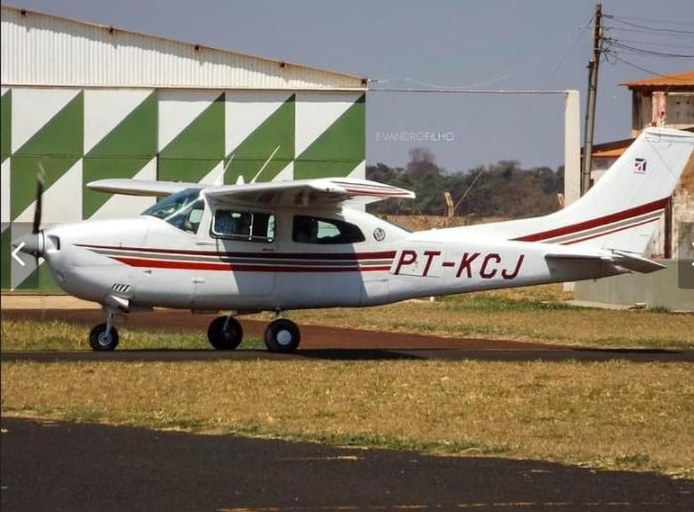 Avião Cessna foi roubado por bandidos em fazenda de Chupinguia, RO — Foto: WhatsApp/Reprodução
