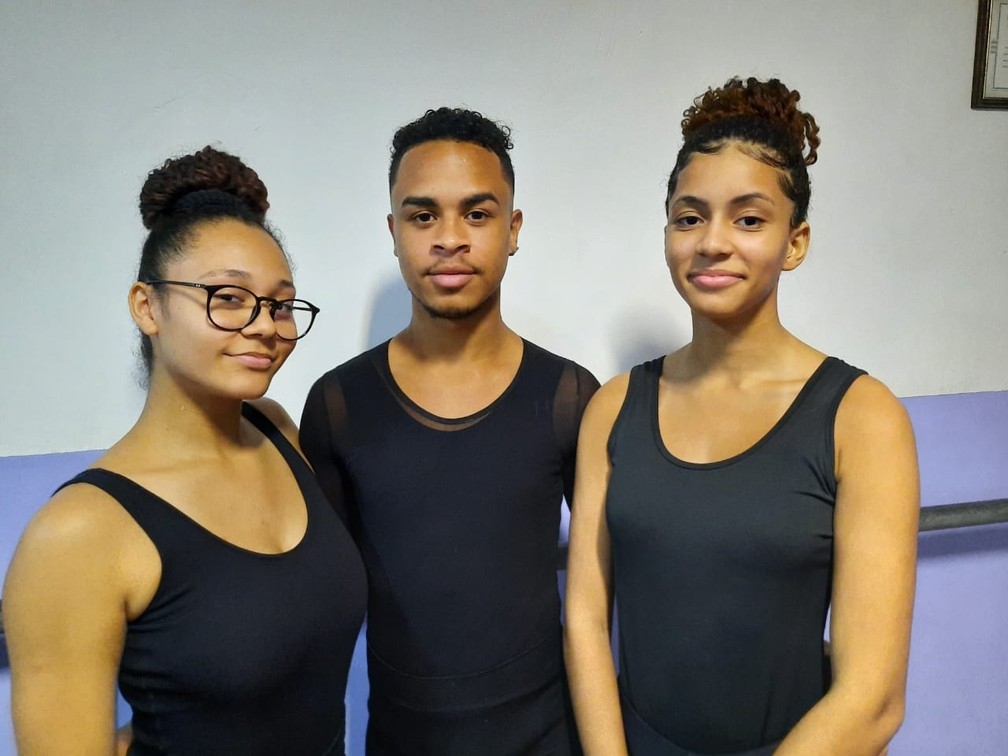 Bailarinos da Cidade de Deus conquistam bolsa de estudo no exterior  — Foto: Reprodução/Arquivo pessoal