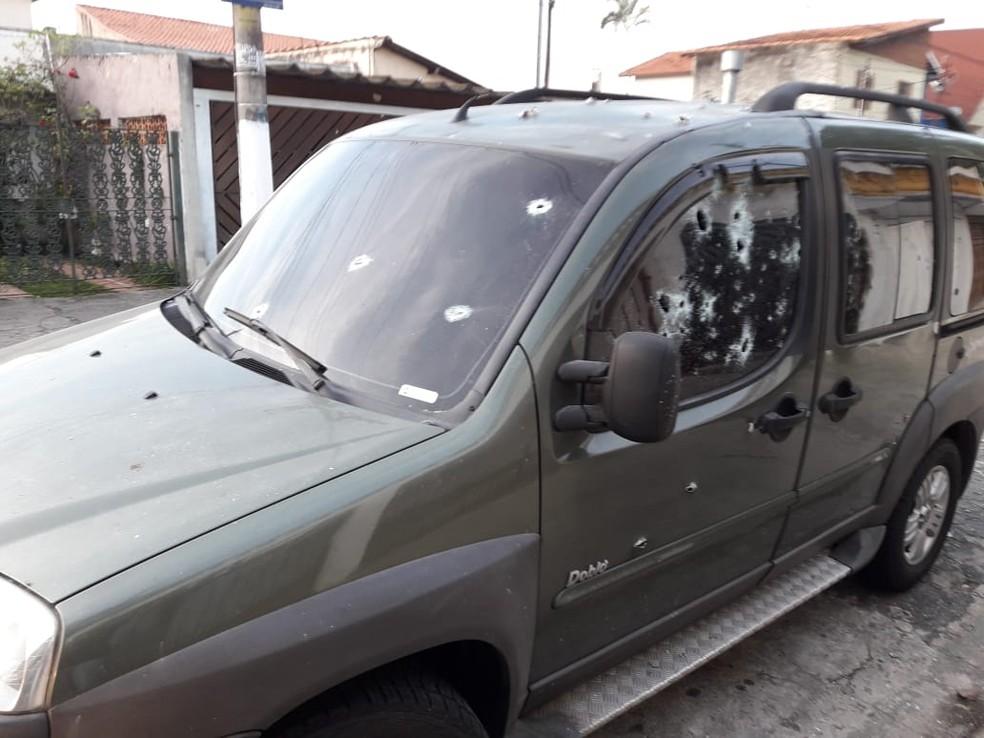 Policial foi morto a tiros dentro do carro na porta de casa — Foto: Divulgação/Polícia Civil