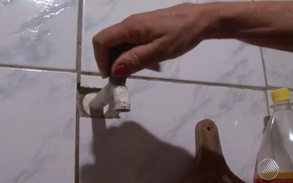 Falta de água será sentida em bairros nas zonas Oeste, Leste, Sul e Centro-Sul — Foto: Imagens / TV Subaé