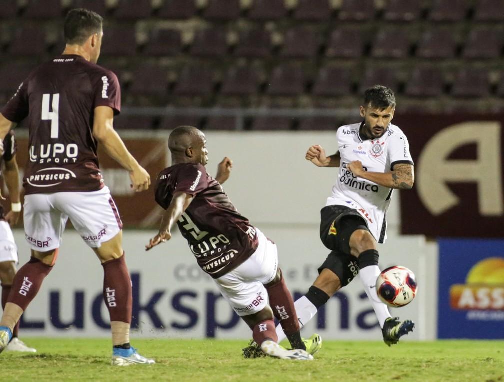 Na mira do Santos, Camacho define detalhes e deve rescindir contrato com Corinthians