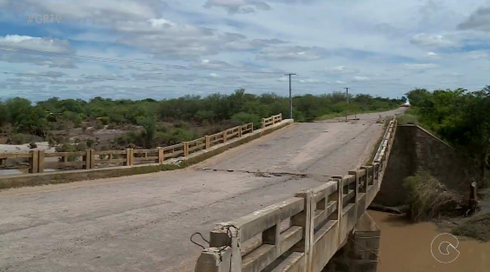 Ponte Rio Pequi, que liga Bodocó a Ouricuri, no Sertão de PE. (Foto: Reprodução/TV Grande Rio)