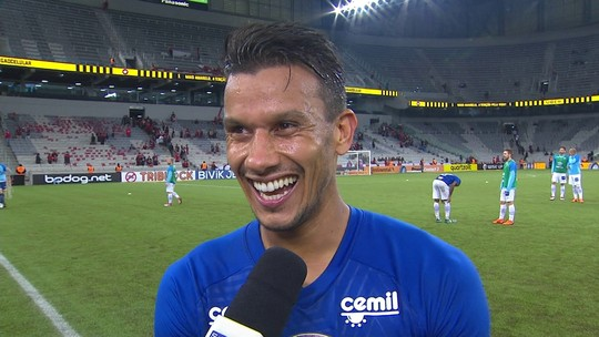 """Em família no Cruzeiro, Henrique o comemora aniversário com vitória: """"Presente bom!"""""""