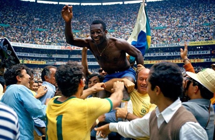 [COPA 2014]Jornal critica Pelé: Superestimado e mestre da autopromoção