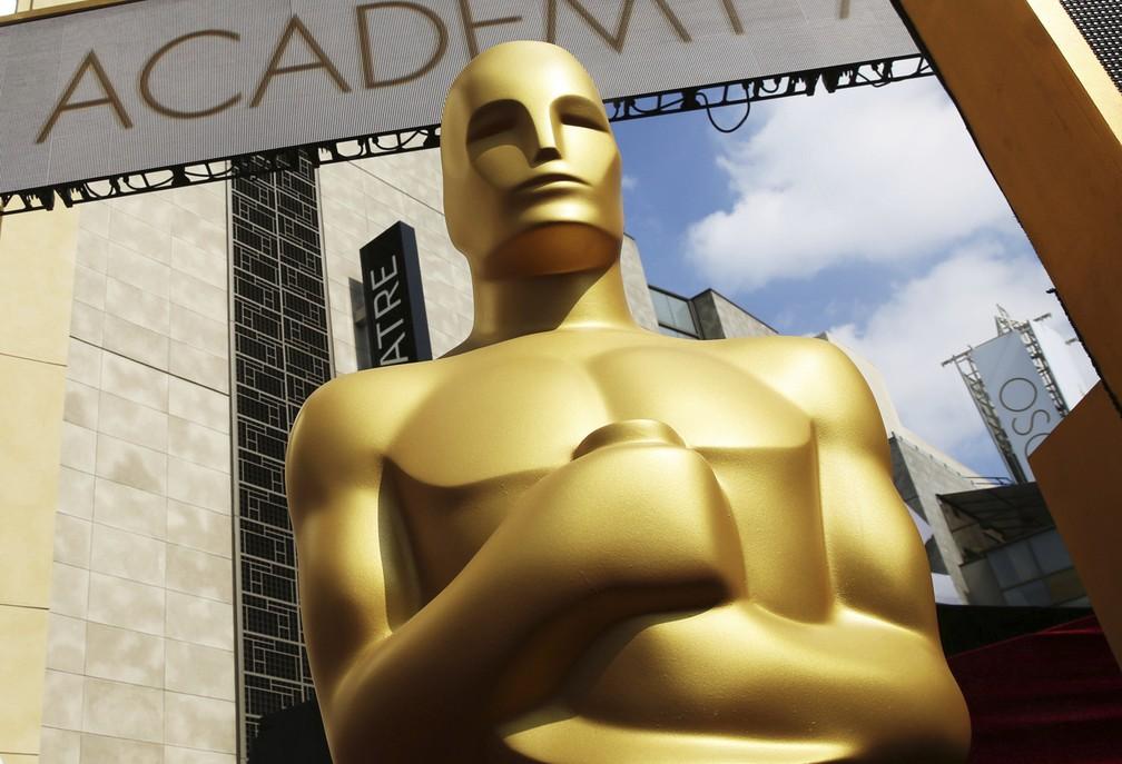 Estatueta gigante do Oscar, que acontece neste fim de semana — Foto: Matt Sayles/Invision/AP