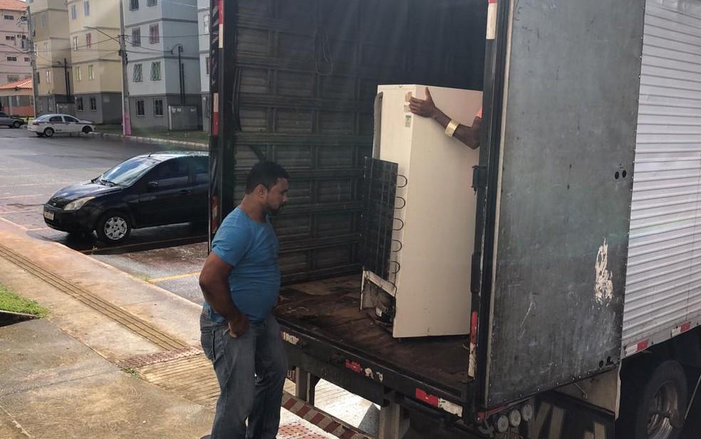 A reintegração desta quinta começou por volta das 8h. No local, estão 14 equipes, entre Polícia Federal, Polícia Militar, Oficiais de Justiça, além de funcionários da Caixa.  — Foto: Vanderson Nascimento / TV Bahia