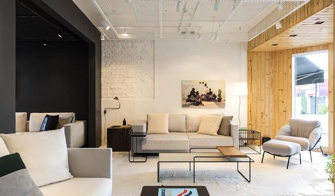 Casa tombada é transformada em loja conceito de móveis em São Paulo