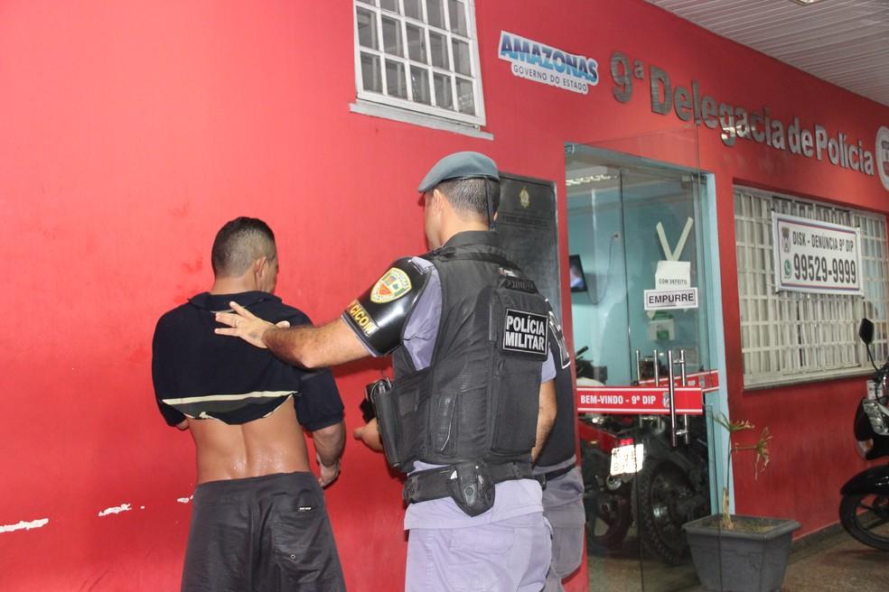 'Fiz leseria', disse suspeito de agredir e roubar veículo de administrador em Manaus (Foto: Ive Rylo/ G1 AM)