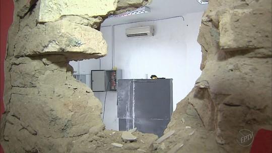 Câmera registra ação de quadrilha que explodiu caixa eletrônico em Nuporanga