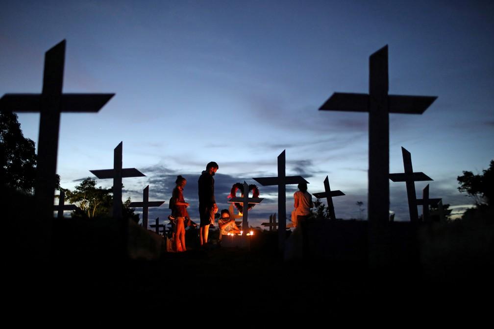 Mundo passa de 4 milhões de mortes por Covid-19 — Foto: Bruno Kelly/Reuters