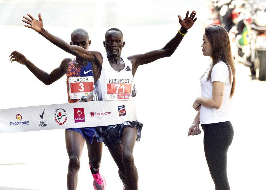 Juntinhos: o queniano Kibiwott Kandie surpreendeu o jovem Jacob Kiplimo, de Uganda, e venceu a São Silvestre 2019, com direito a recorde da prova