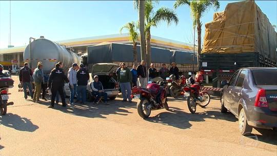 Paralisações de caminhoneiros provocam falta de combustíveis em Pelotas