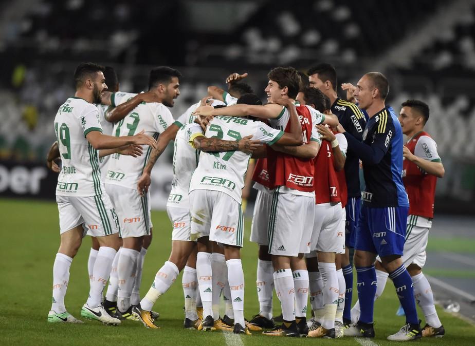 Atuações do Palmeiras: Deyverson ajuda na defesa e define a vitória alviverde no Rio