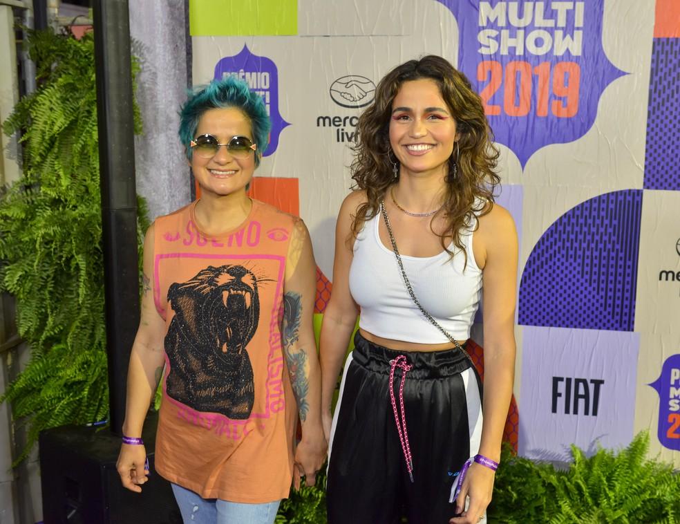 Lan Lanh e Nanda Costa preferiram looks mais descontraídos para curtir a noite de premiação — Foto: Fabio Cordeiro/Gshow