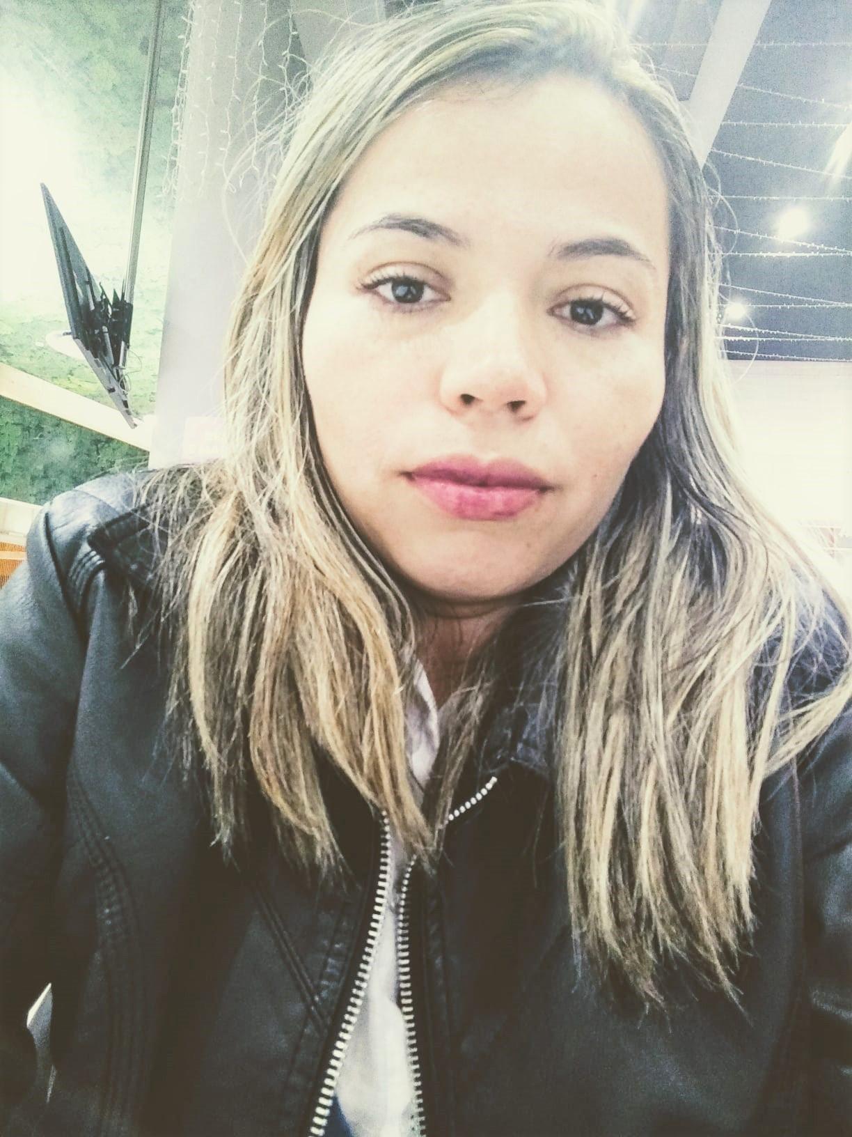 Juliet Cristino está desde 2019 à espera da residência para validar diploma: faz limpeza de imóveis