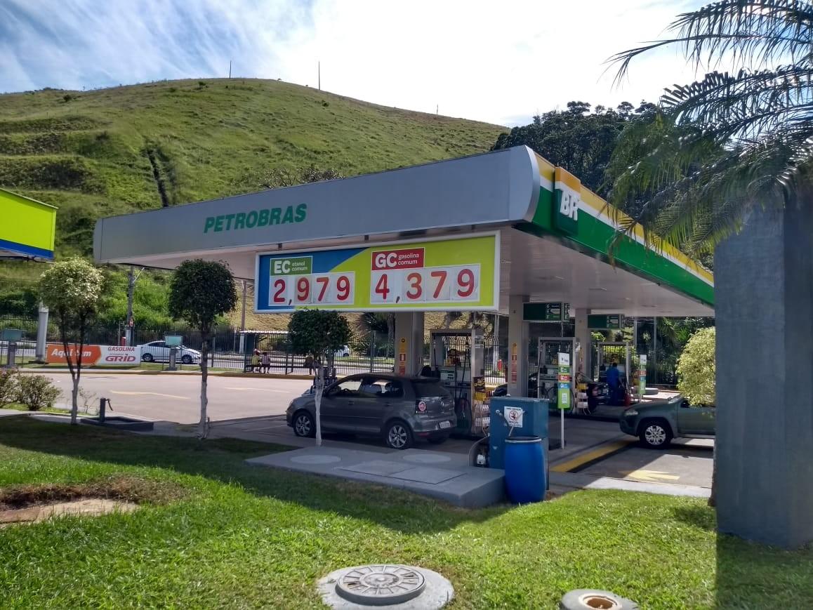 Juiz de Fora tem etanol a menos de R$ 3 pela primeira vez em 2020; veja os preços dos combustíveis na Zona da Mata e Vertentes