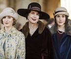 Elizabeth McGovern, Michelle Dockery, e Laura Carmichael em 'Downton Abbey' | Reprodução