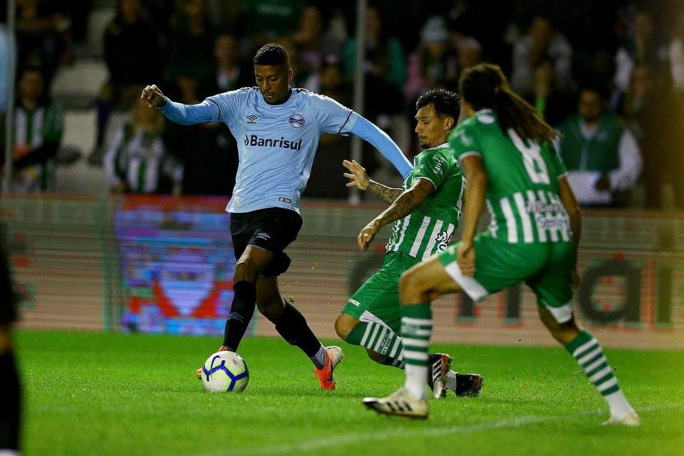 Jean Pyerre deu nova característica ao meio-campo — Foto: Lucas Uebel/Grêmio