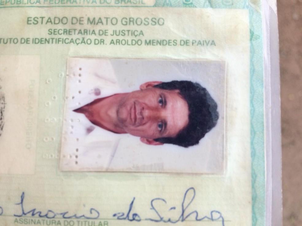 Genésio Inácio da Silva, de 60 anos, foi encontrado no quintal de casa. — Foto: Célio Serafim/TVCA