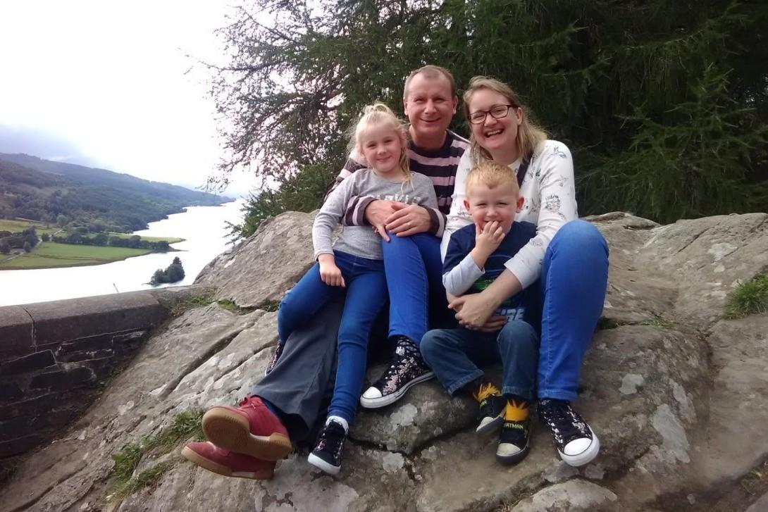 Laura com a família: criando boas memórias (Foto: Reprodução/ Go Fund Me)