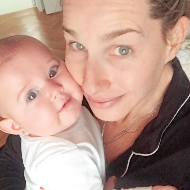 Mariana Weickert e filha (Foto: Reprodução/Instagram)