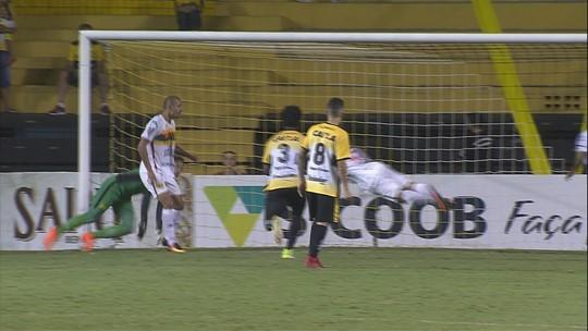 """""""Resultado foi justo. Não jogamos no 2º tempo"""", resume Argel, sobre empate"""