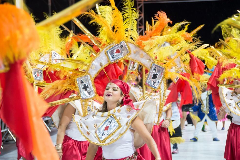 37b954d77a2 ... Desfile de escolas de samba será realizado segunda e terça-feira em  Sorocaba — Foto