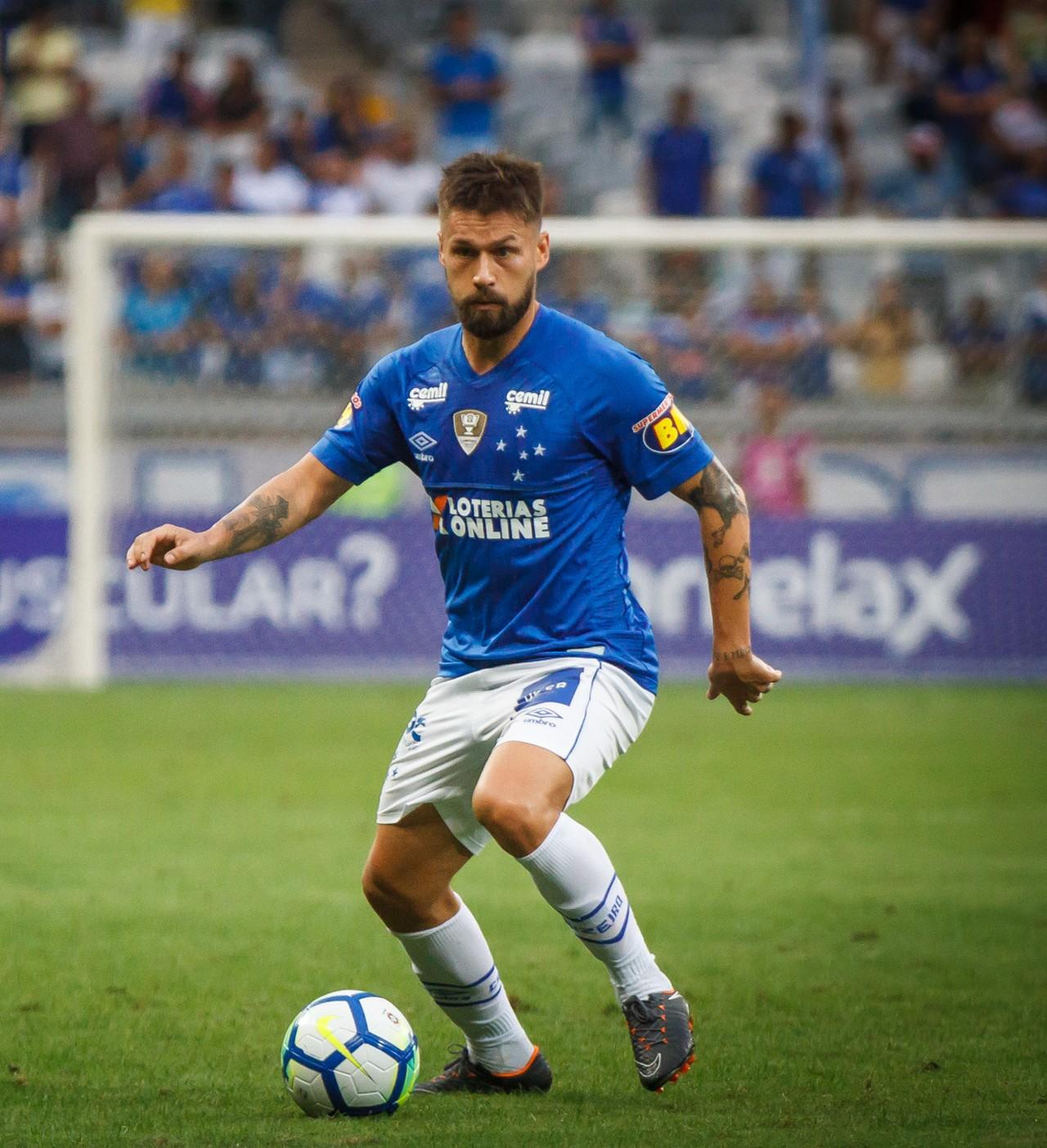 Artilheiro em 2017, Sobis, agora coadjuvante, tem chance de redenção no Cruzeiro em decisão