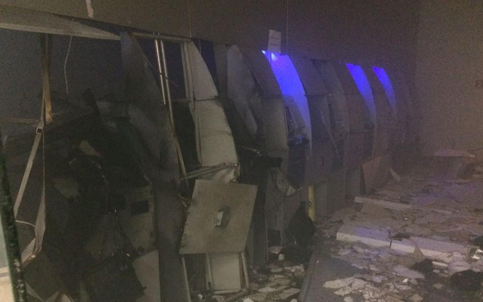 Agência no Setor Sudoeste ficou completamente destruída, em Goiânia (Foto: Polícia Militar/Divulgação)