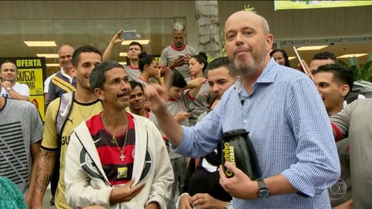 """""""No tranco"""", 'Cafezinho com Escobar' desembarca em São Conrado"""