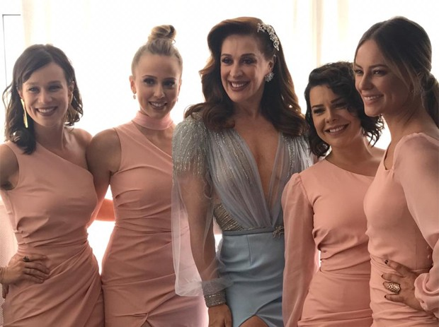 Mariana Ximenes, Marcella Rica, Claudia Raia, Fernanda Souza e Poalla Oliveira (Foto: Reprodução)
