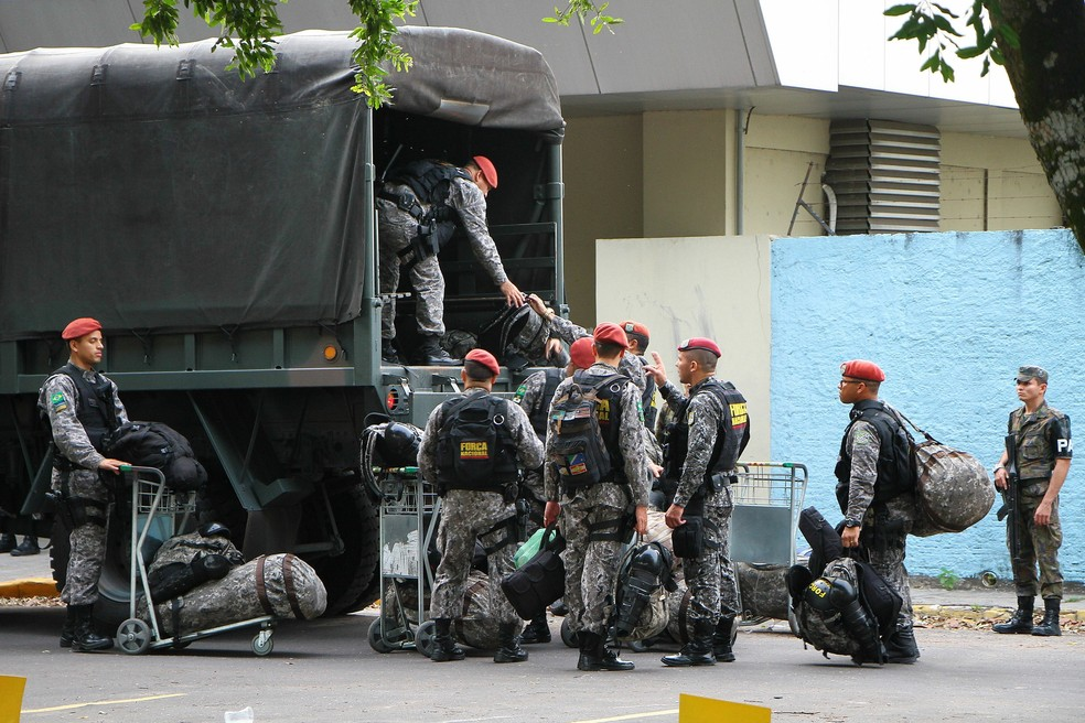 Imagem de 2017, quando tropas da Força Nacional estiveram em Manaus. — Foto: Edmar Barros/Futura Press/Estadão Conteúdo