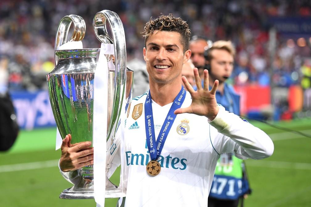 O senhor Champions! Cristiano Ronaldo celebra o seu quinto título após a final de 2018 contra o Liverpool — Foto: Laurence Griffiths/Getty Images