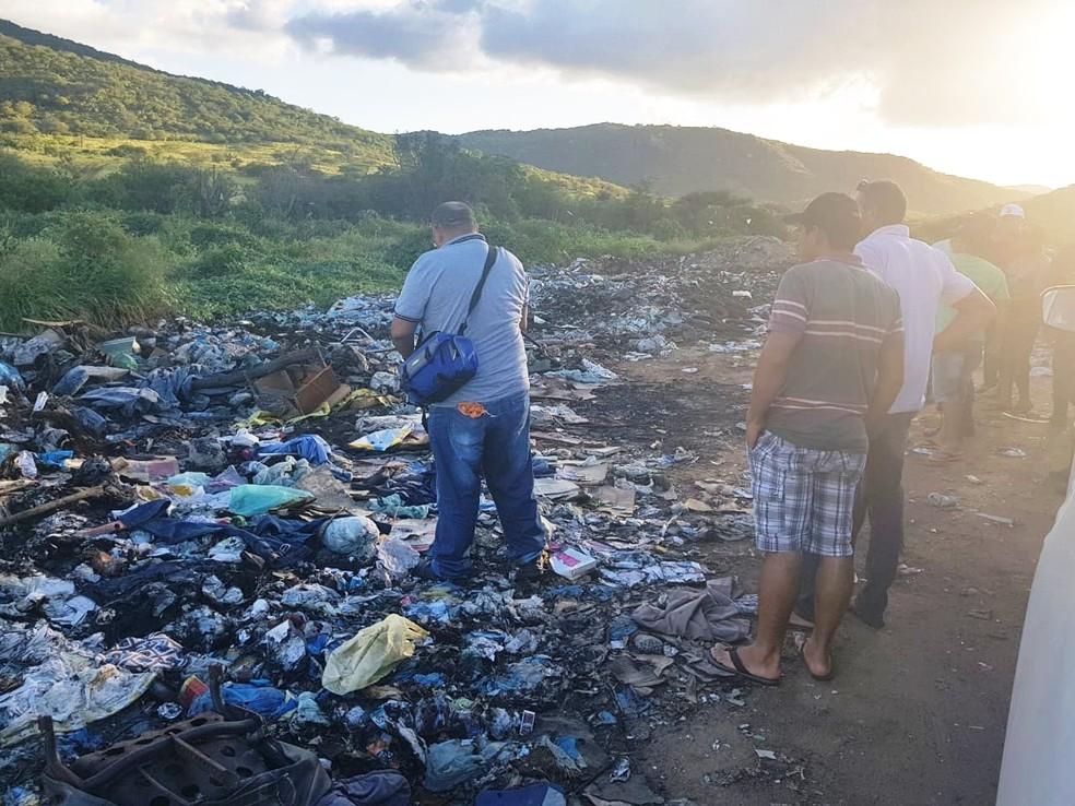 Corpo foi encontrado nesta terça (22) enterrado em um lixão no município de Lagoa D'Anta (Foto: PM/Divulgação)