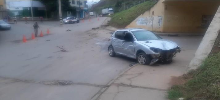 Mulher fica ferida após ser atropelada por um carro em Padre Paraíso
