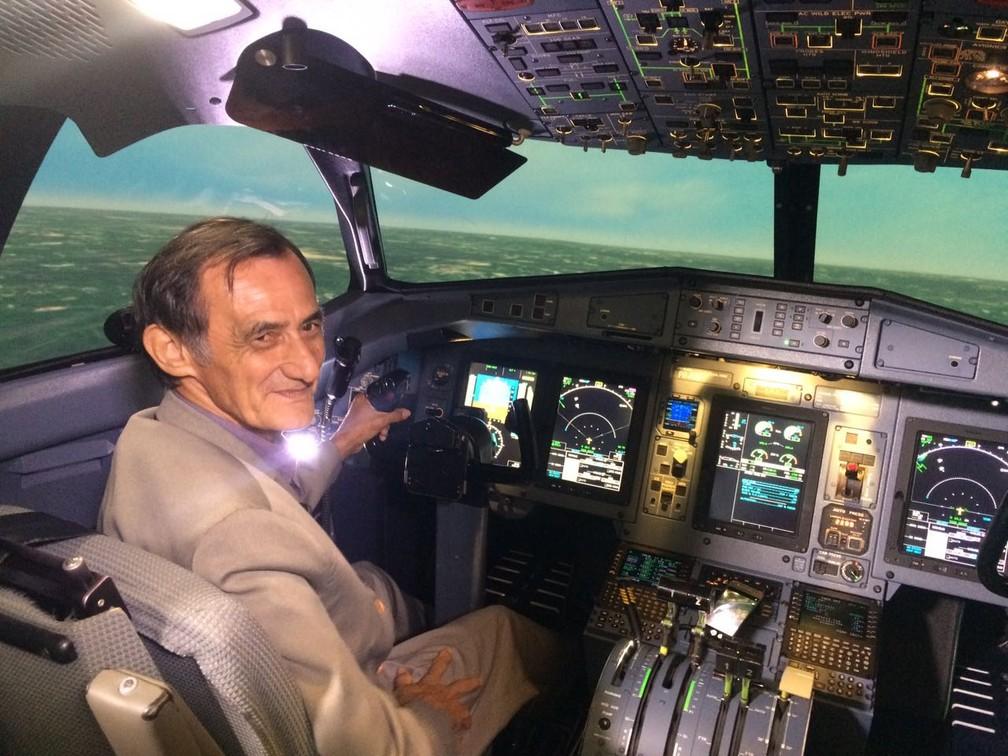 Geraldo durante simulação de vôo em Campinas (SP) (Foto: Geraldo Araújo /Arquivo pessoal)