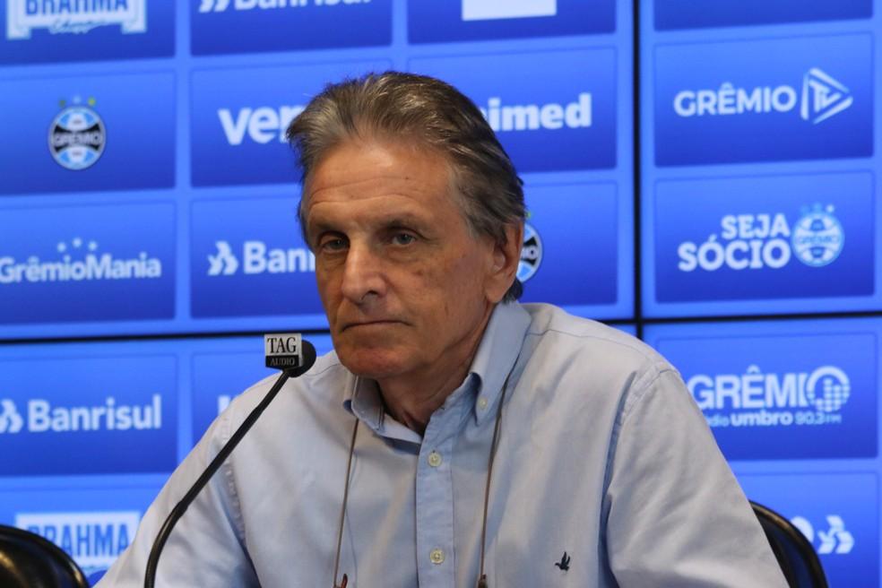 Vice de futebol do Grêmio, Paulo Luz, fala sobre medidas preventivas — Foto: Eduardo Moura