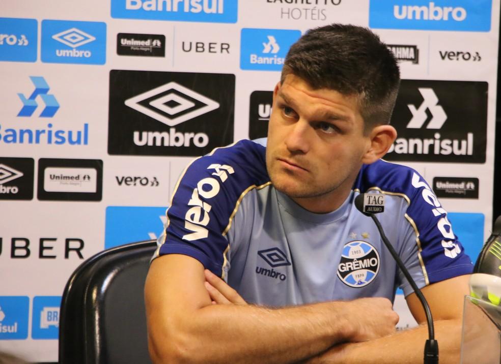 Kannemann falou sobre detalhes a corrigir no Grêmio — Foto: Eduardo Moura