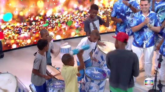 Crianças de Campos dos Goytacazes, RJ, se apresentam no programa 'Encontro com Fátima Bernardes'