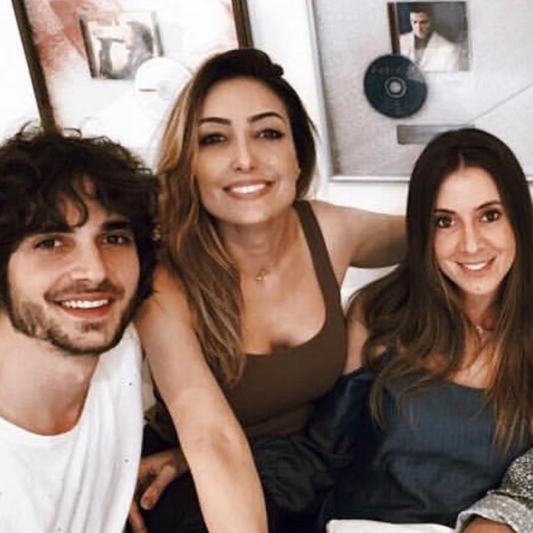 Cristina Karthalian e filhos (Foto: reproduçõa/instagram)