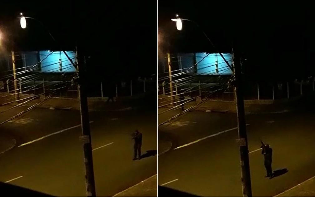 Ladrão armado com fuzil durante ataque a empresa de valores em Ribeirão Preto (SP) — Foto: Divulgação