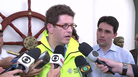 Salles diz que o momento de aprofundar as causas do acidente com óleo no Nordeste é 'lá na frente'