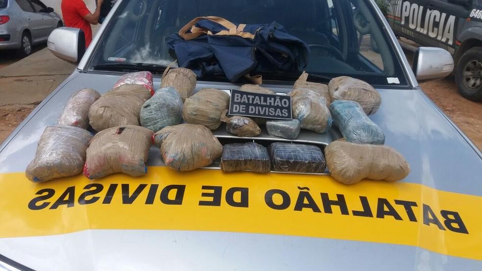 Bando foi preso com armas de uso restrito e drogas (Foto: Divulgação)
